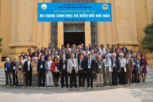 """Hội thảo khoa học quốc gia """"Đa dạng Sinh học và Biến đổi Khí hậu"""" tại Viện Tài nguyên và Môi trường"""