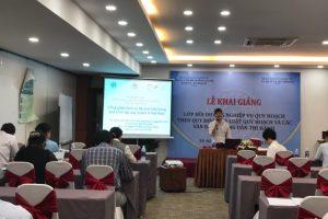 (VNU-CRES) Viện Tài nguyên và Môi trường xây dựng sổ tay hướng dẫn và tham gia tập huấn về lồng ghép dịch vụ hệ sinh thái trong quá trình lập quy hoạch ở Việt Nam