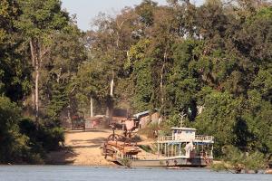Hội đồng tỉnh Stung Treng bác bỏ những lời chỉ trích về việc xử lý tội phạm lâm nghiệp